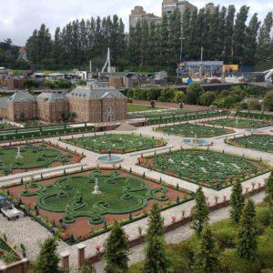 Miniature Holland Gardens