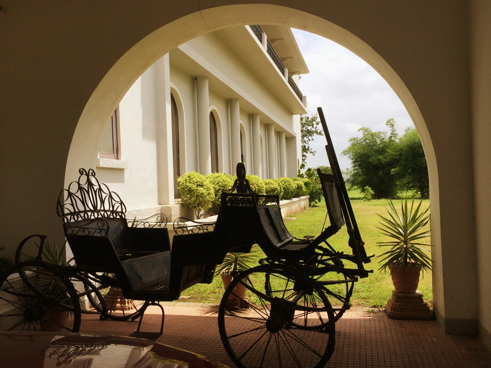 Jhira Bagh Royal Carriage
