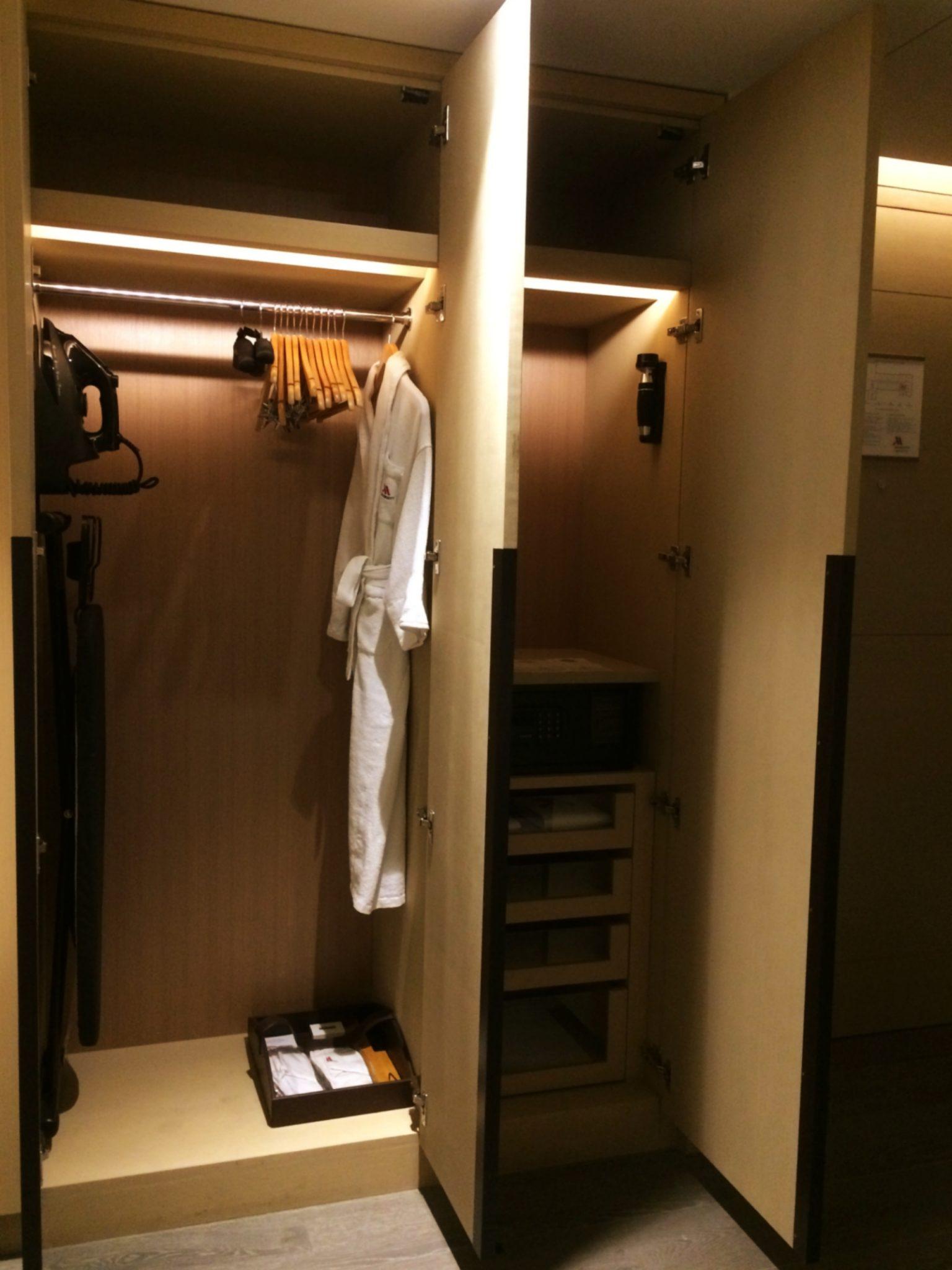Indore Marriott Walk-in Closet