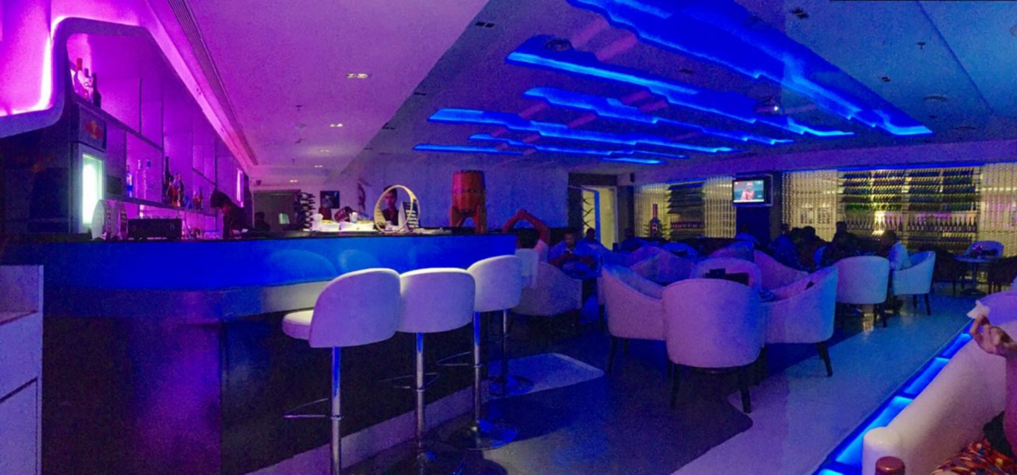 Le Bar Salon, Nashik's Neon Lounge