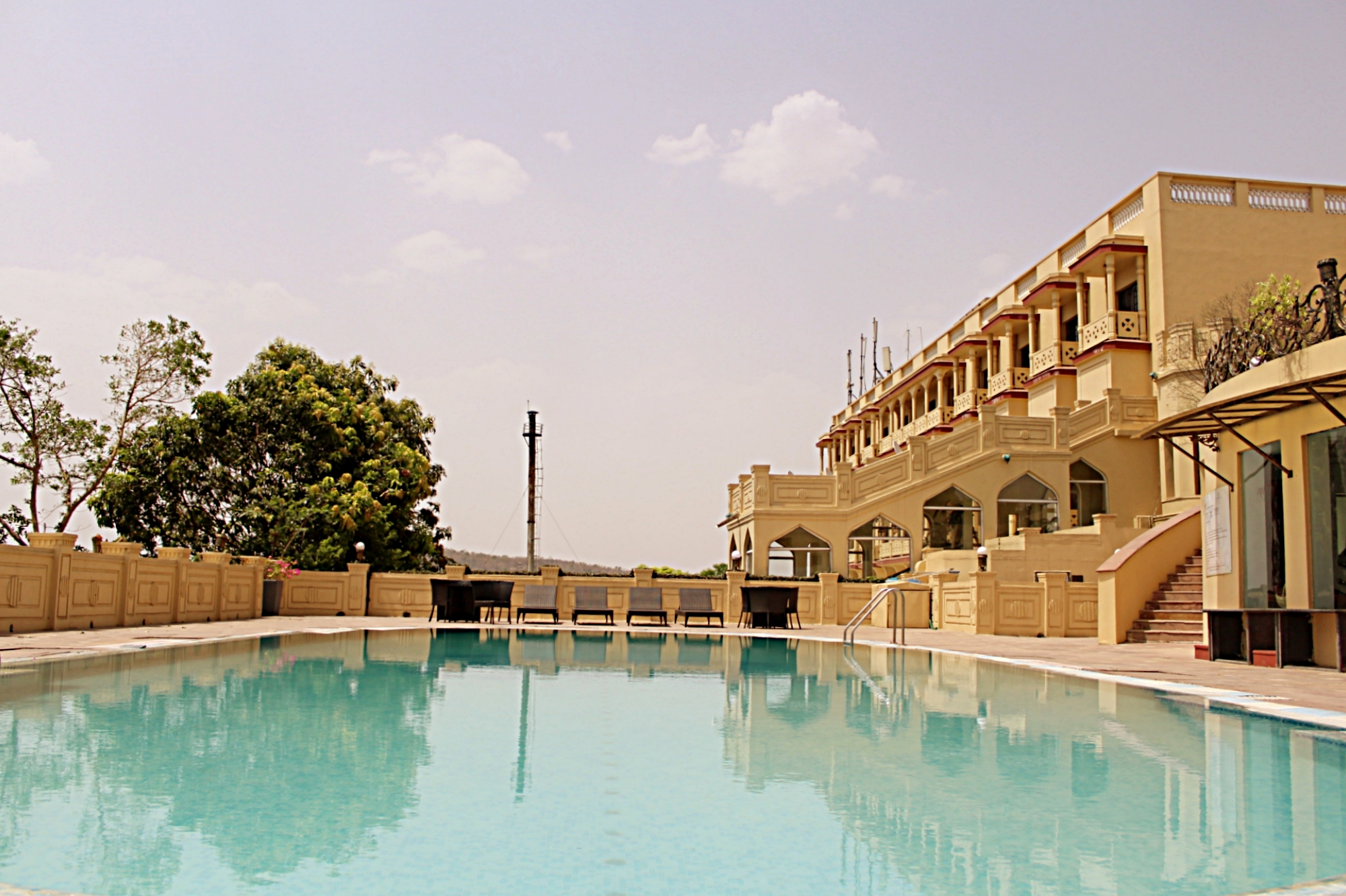 Noor-Us-Sabah Palace Outdoor Swimming Pool