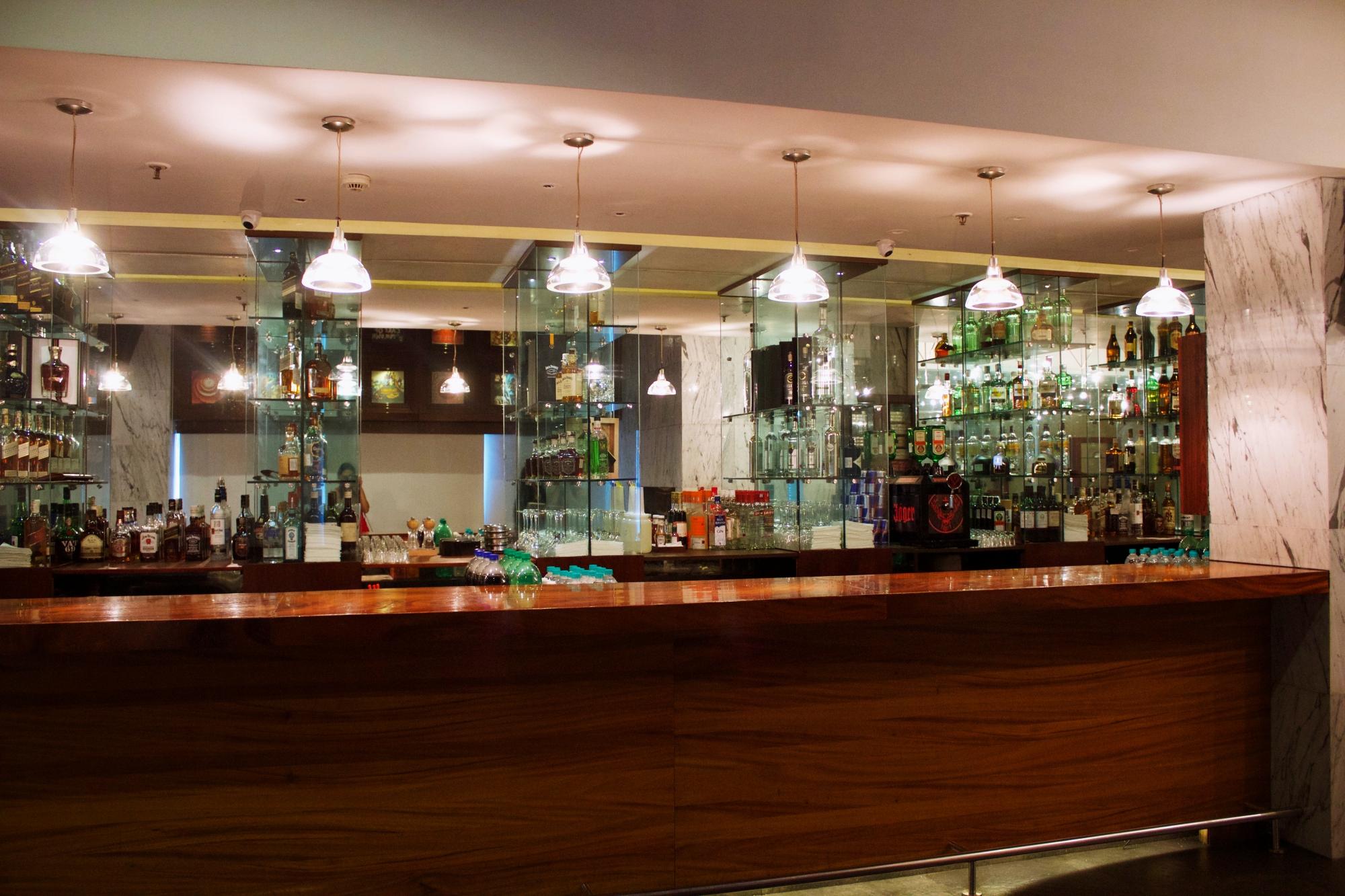 Oak Lounge Marriott Suites Pune