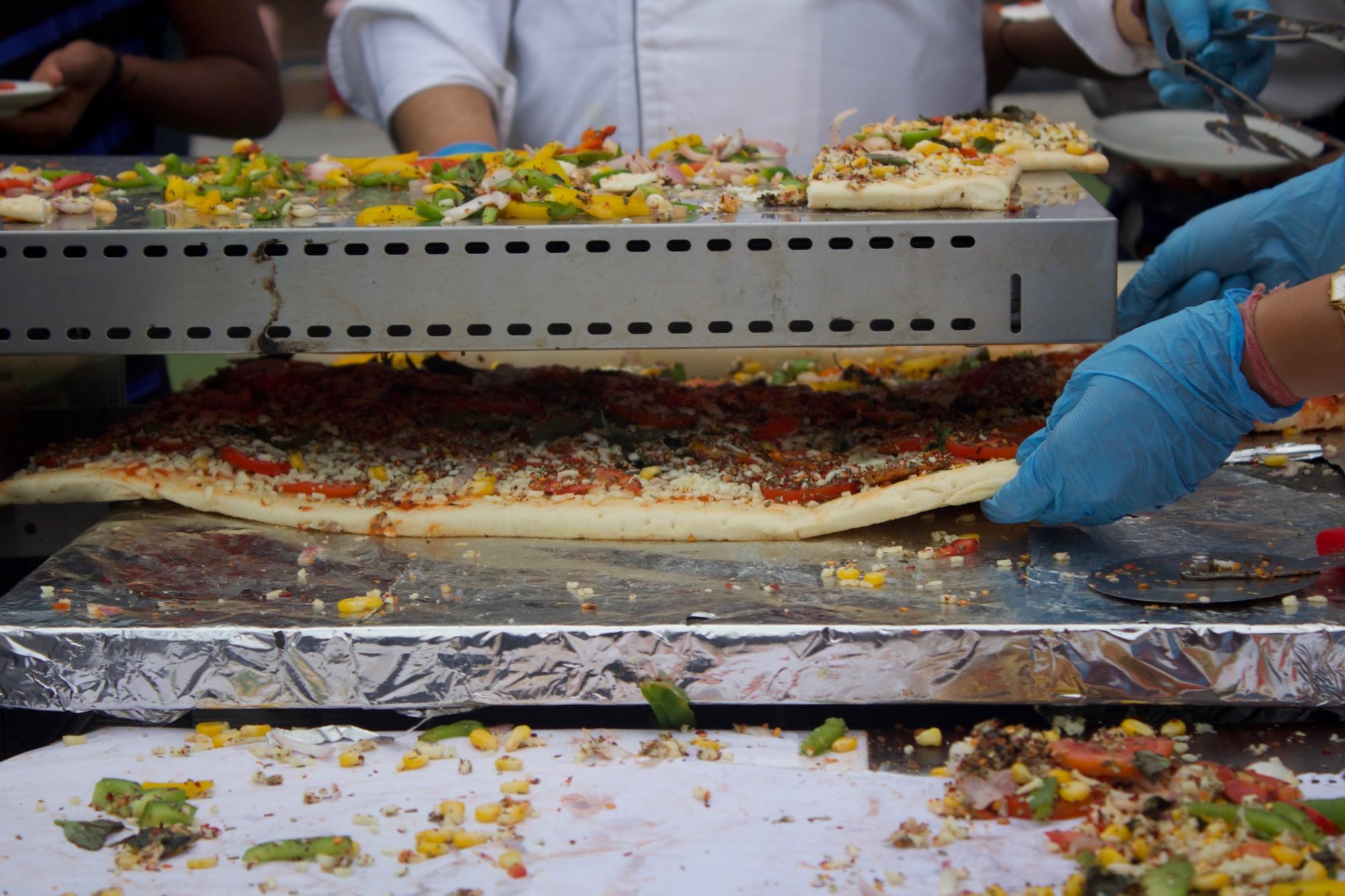 Baking Indore's Longest Pizza