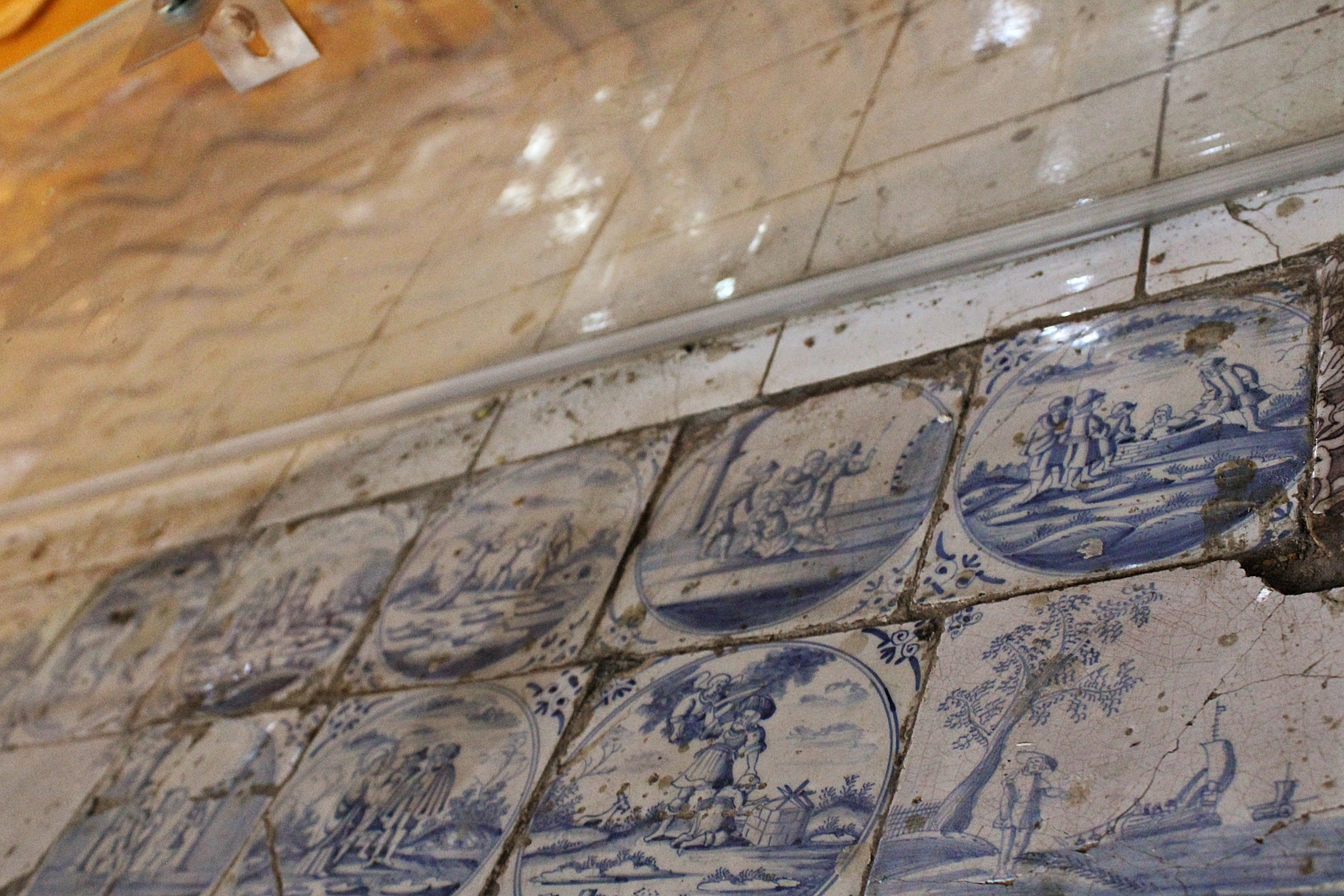Kurunegala Ridi Viharaya Dutch Tiles