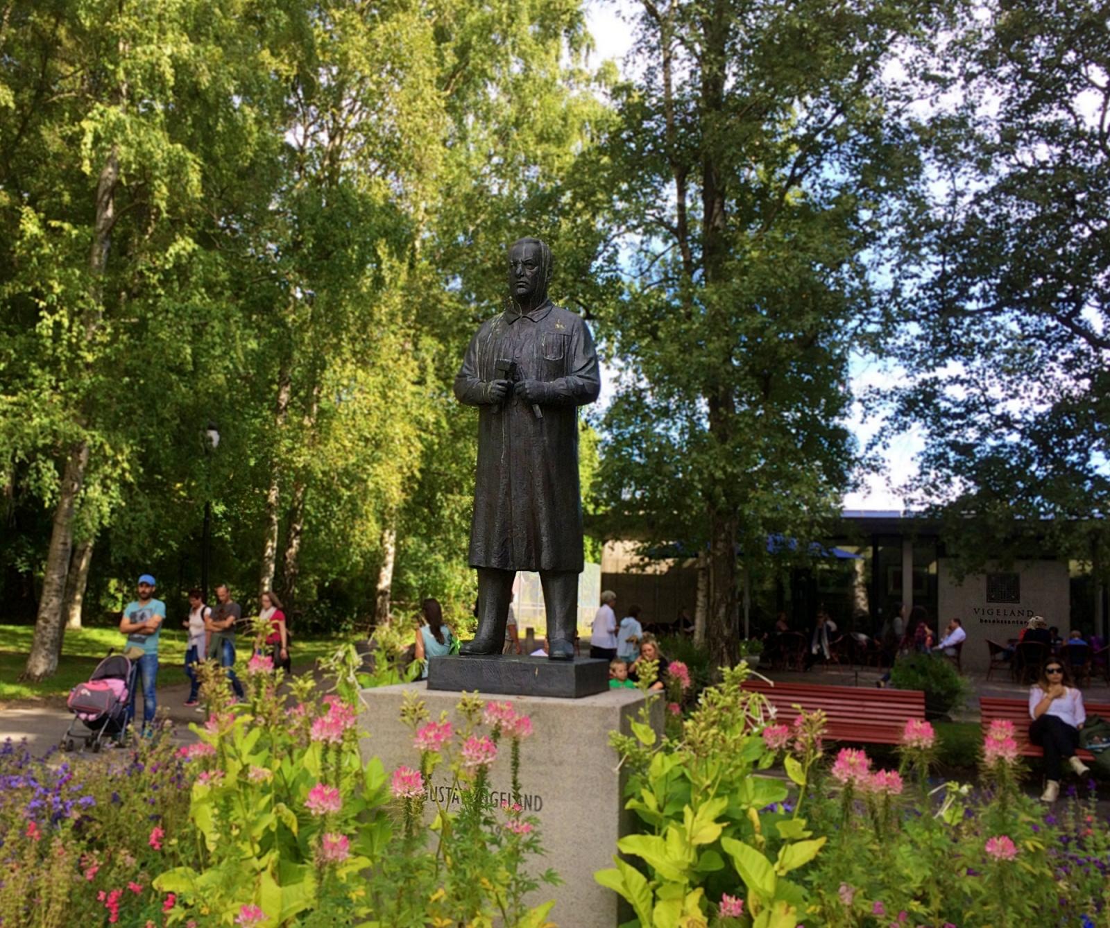 Gustav Vigeland Statue