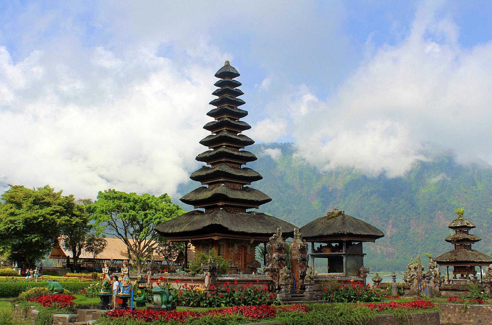 Bali Ulun Danu Beratan Temple
