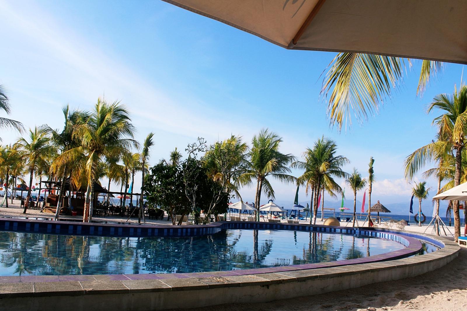 Mahagiri Resort Pool