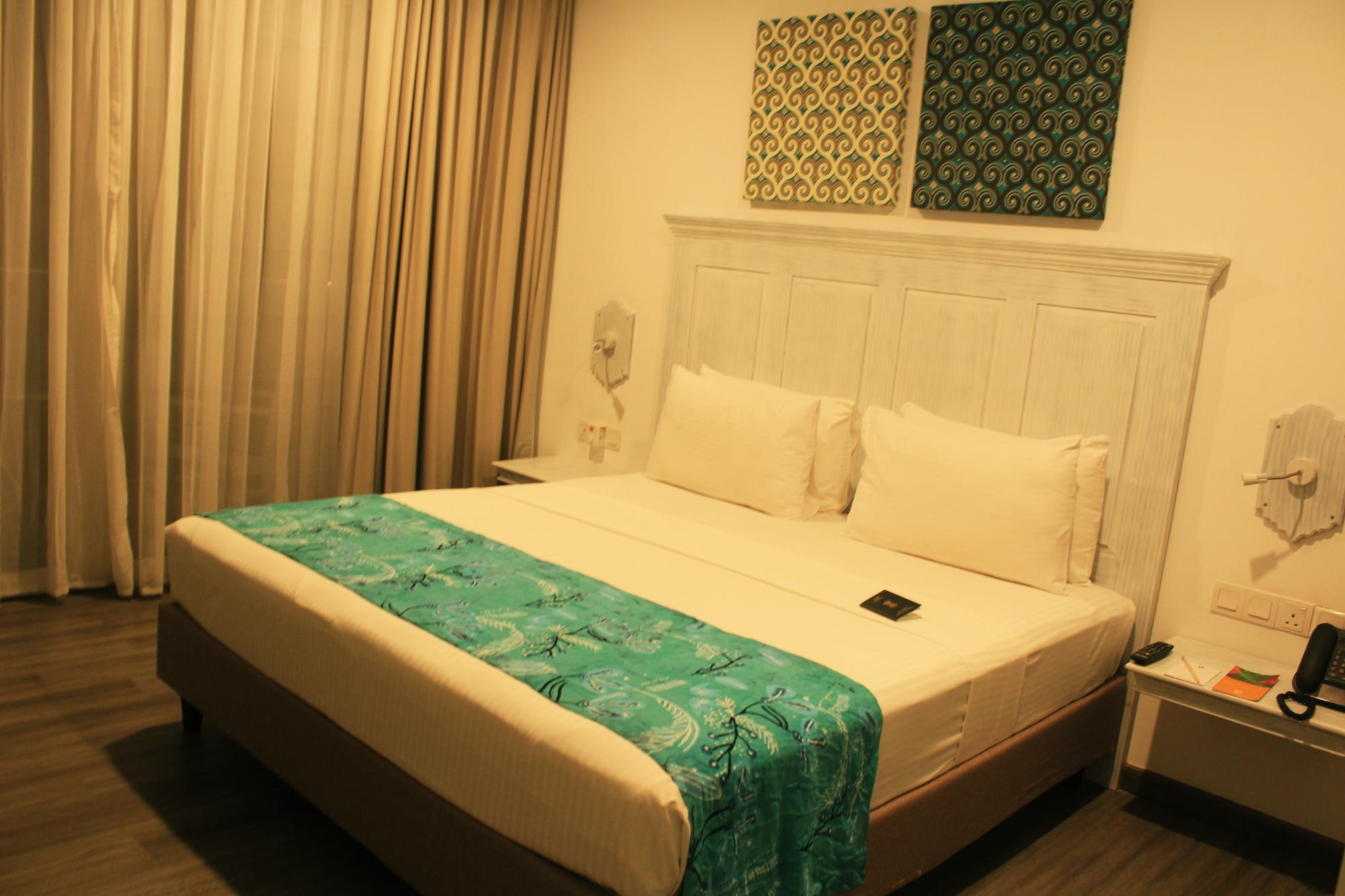 Fairway Sunset Room