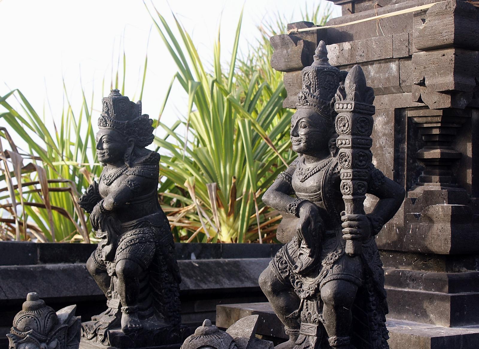 Batu Bolong Sea Temple